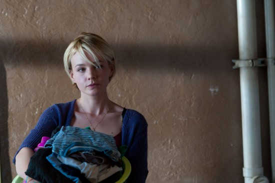 drive-2011-stills-carey-mulligan-25453725-2048-1362.jpg